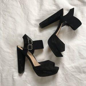 Forever 21 Platform Black heels size 8.5